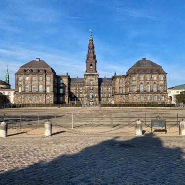 Das Christiansborg Slot (Schloss Christiansborg) liegt im Zentrum von…
