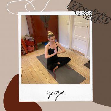 """Das #hyggewort der Woche ist diesmal """"Yoga"""". Ein wichtiger Punkt, um mehr…"""