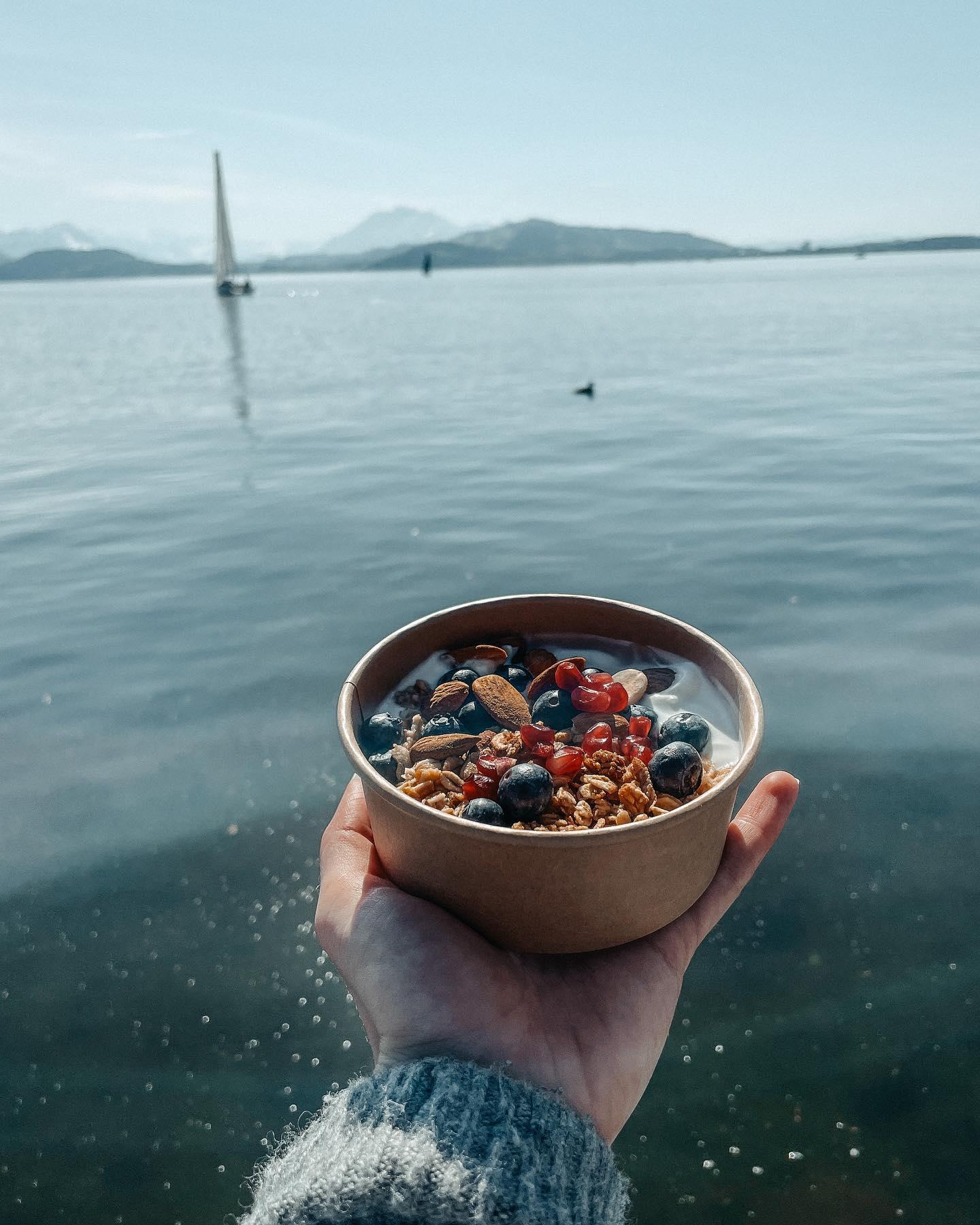 Ab dem Wochenende ist endlich wieder am-See-sitzen-und-Bowls-essen-Wetter!…
