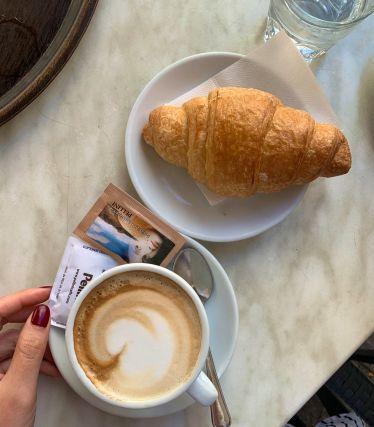 #cappuccino und #cornetto ist alles was ich morgens brauche! #ErlebeEs…