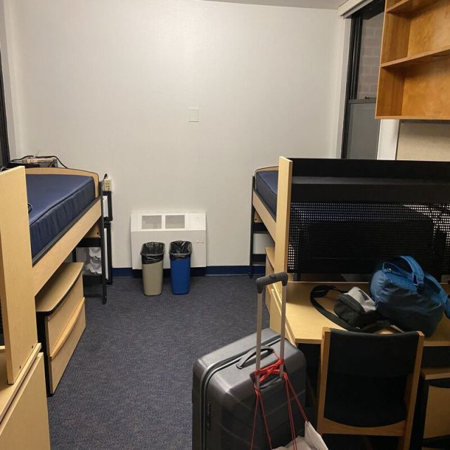 Doppelzimmer im Studentenwohnheim.