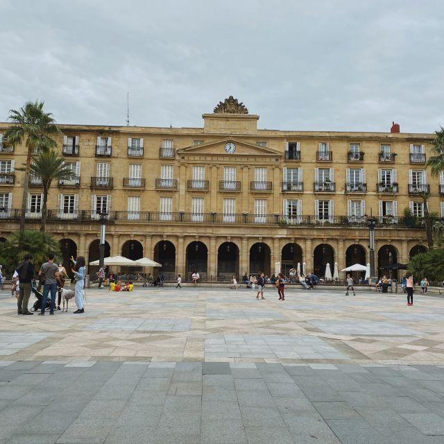 Der Hauptplatz im Zentrum von Bilbao.