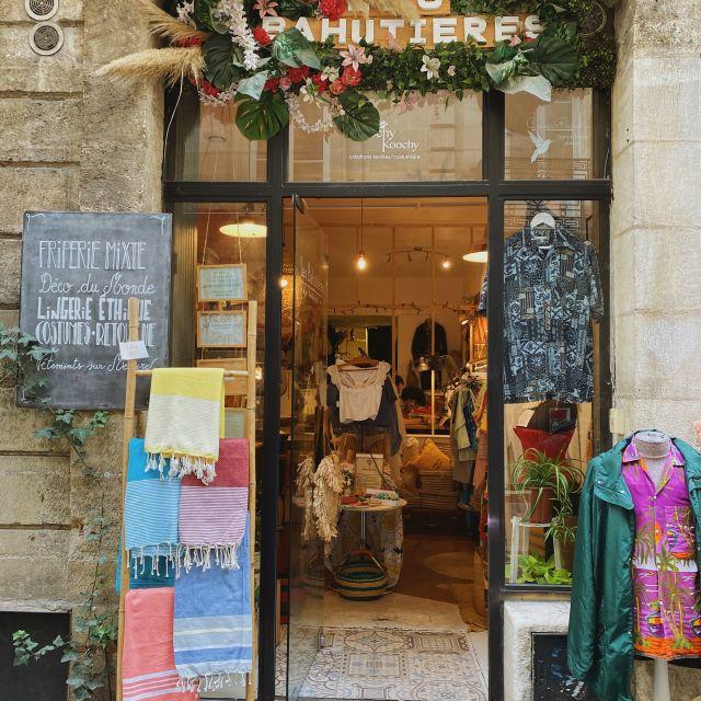 Der Eingang eines kleinen Vintage Ladens.