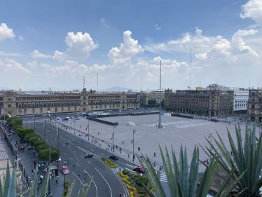 """Blick von oben auf den Hauptplatz """"Zócalo"""" in Mexiko-Stadt"""""""