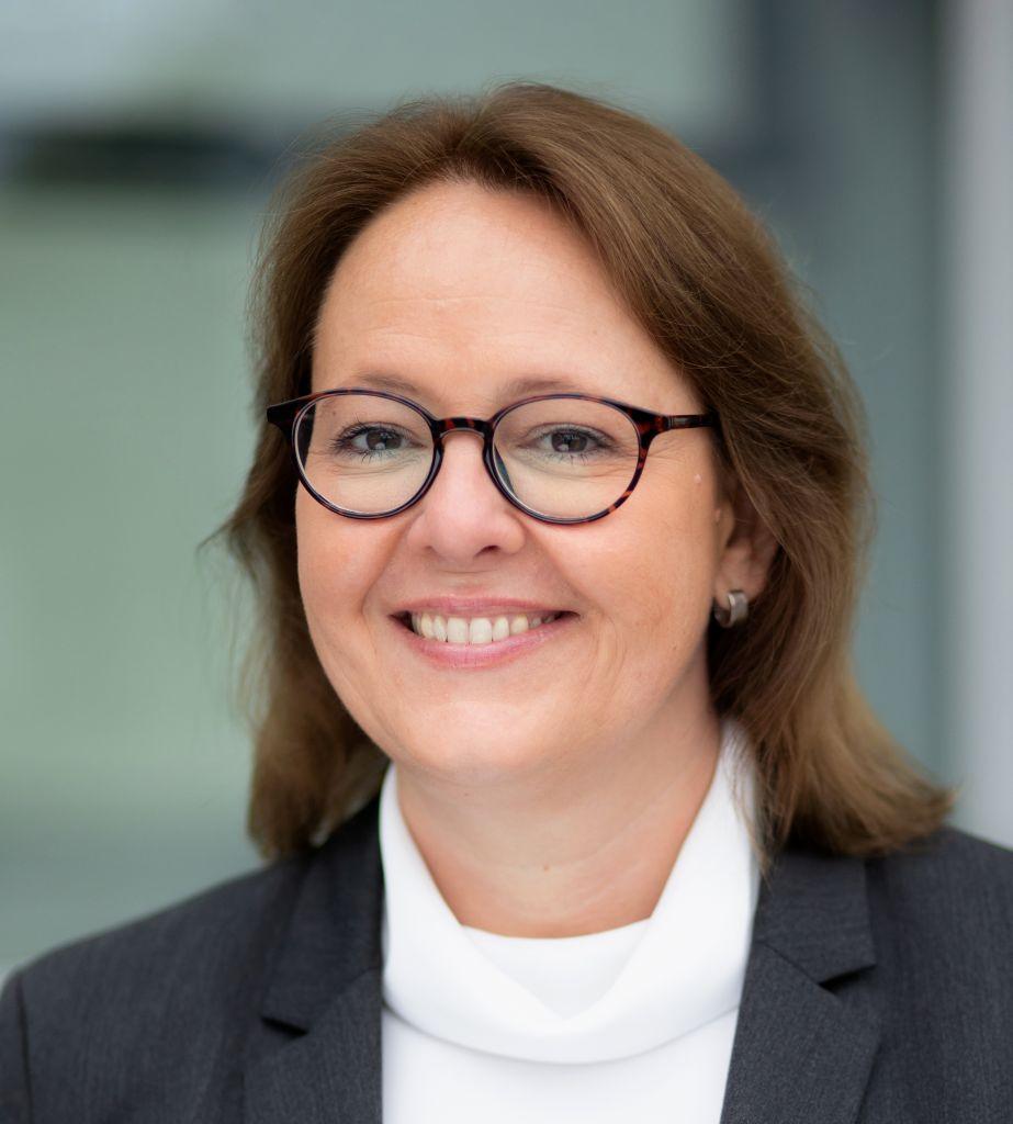Porträt von Rechtsanwältin Monika Schmid-Balzert