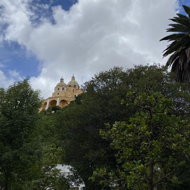 Kirche von Cholula aus der Ferne