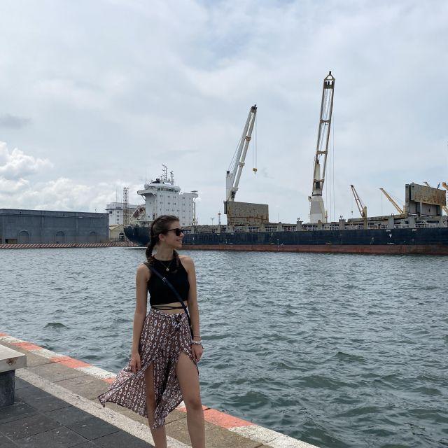Franziska am Hafen von Veracruz