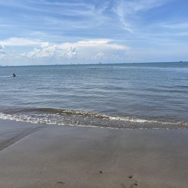 Meer und blauer Himmel
