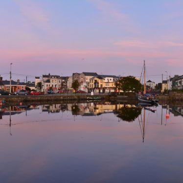 🌅 Sonnenaufgang in Galway. Nach einer abwechslungsreichen Woche im Connemara…