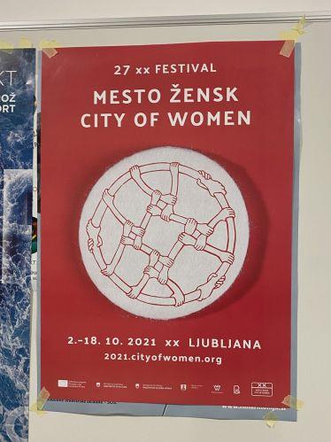 Jedes Jahr im Oktober findet das feministische Kunstfestival City of Women in…