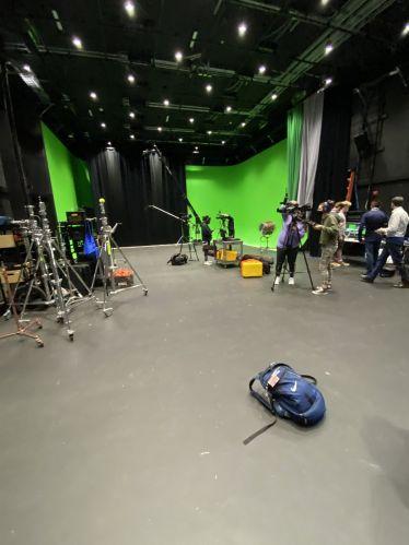 """Studio time 📽 Mein Kurs """"Video Production"""" ist für die…"""