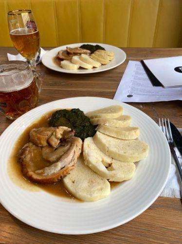 Traditionell #tschechisch essen? Die Küche hier ist sehr Kohlenhydrat-lastig…