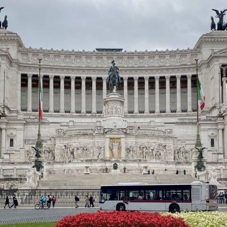 Der Altare della Patria (Altar des Vaterlands) wurde 1927 fertiggestellt und…