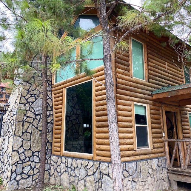 Holzhütte im Grünen