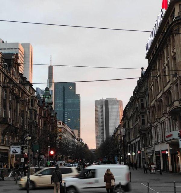 Frankfurt am Main in den frühen Morgenstunden.